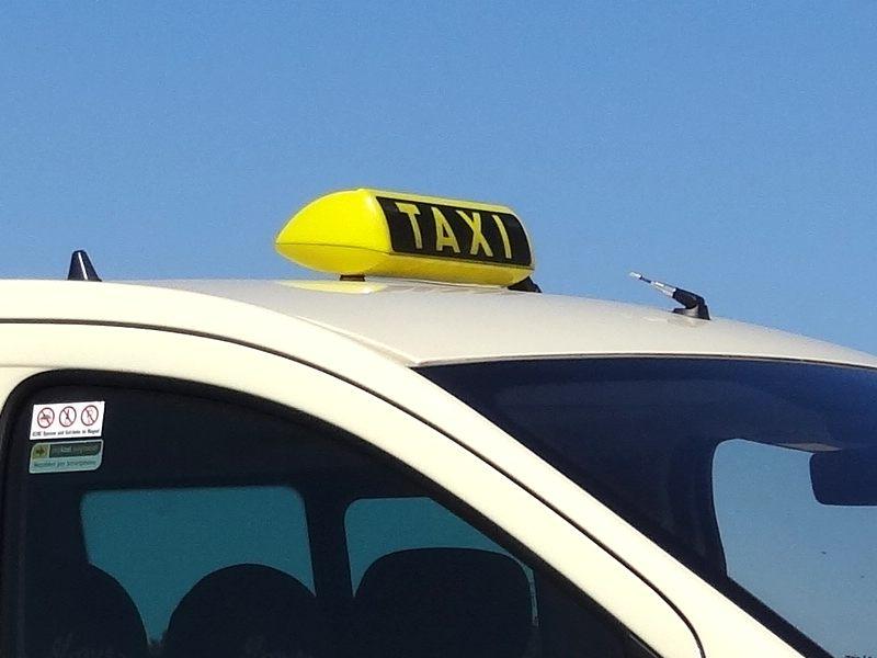 taxipreise berechnen taxi erfahrungen und bewertungen. Black Bedroom Furniture Sets. Home Design Ideas
