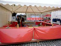 Holzkohle Schwenkgrill Weihnachtsmarkt